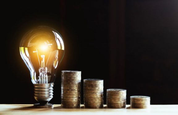 За добу ціна електричної енергії на РДН в ОЕС України впала на 30%